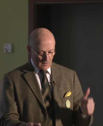 Philippe-Karl-hält-Vortrag