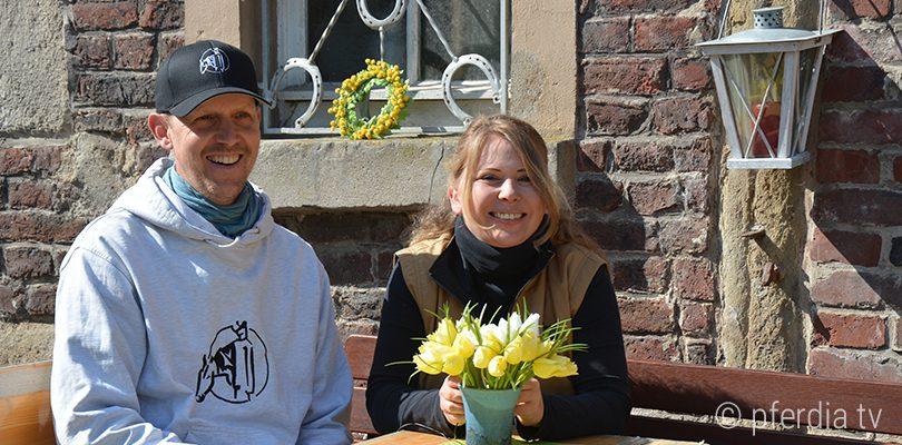 Idylle-mit-Pferd-bei-Peer-Classen-und-Jenny-Wild