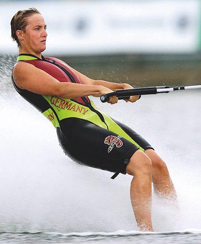 Reiterhaltung-verglichen-mit-Wasserskifahren