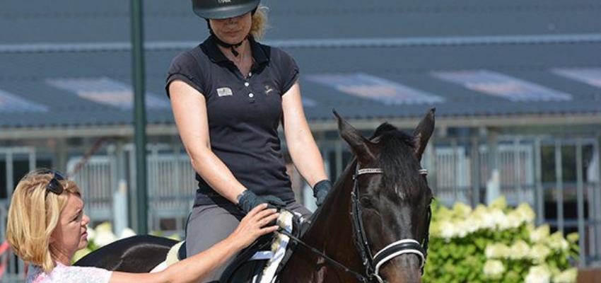 Der Sitz hat eine direkte Auswirkung auf die Hilfengebung des Reiters